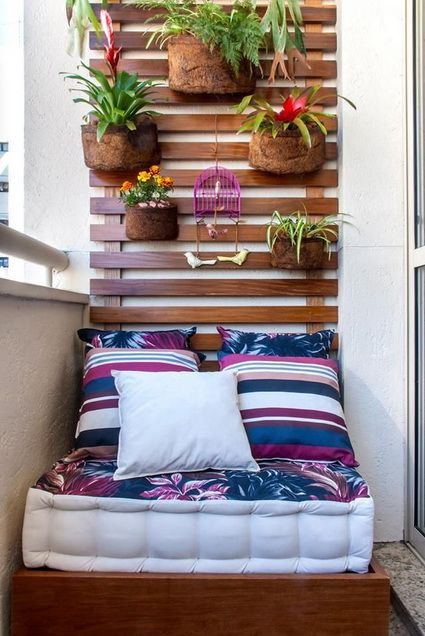 Adapta con colchonetas tu terraza pequeña